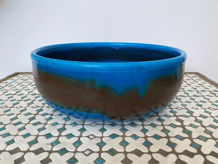 Large Italian Midcentury Ceramic Bowl Signed by Guido Gambone For Sale 2