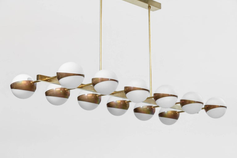 Large Italian Modern Chandelier 12 Lights, Stilnovo Style In Excellent Condition For Sale In Lyon, FR
