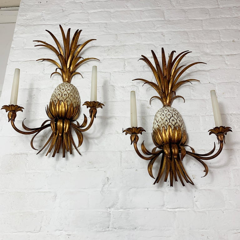 Large Italian Pineapple Wall Sconce Lights, circa 1950s For Sale 4
