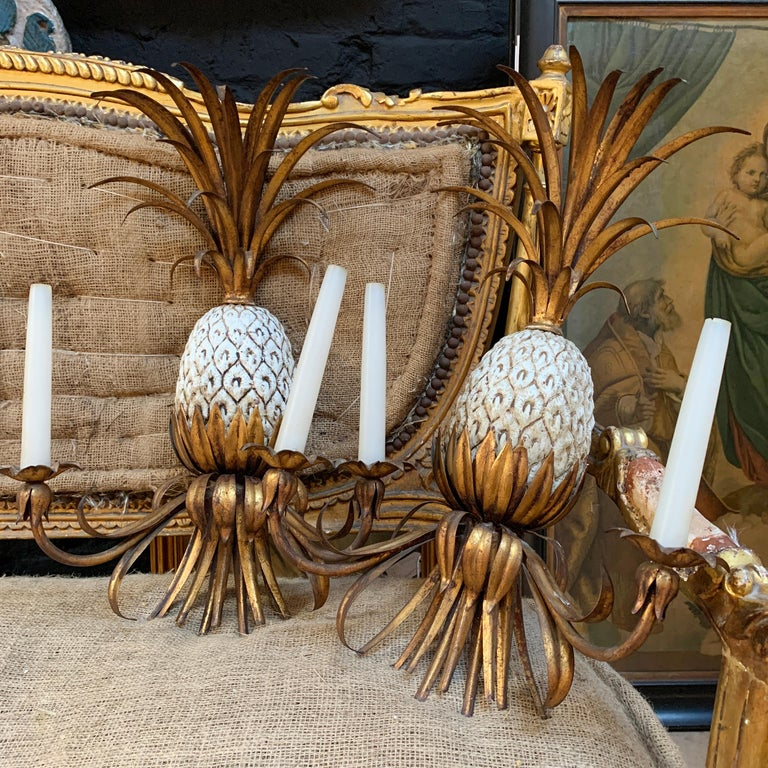 Large Italian Pineapple Wall Sconce Lights, circa 1950s In Good Condition For Sale In Hastings, GB