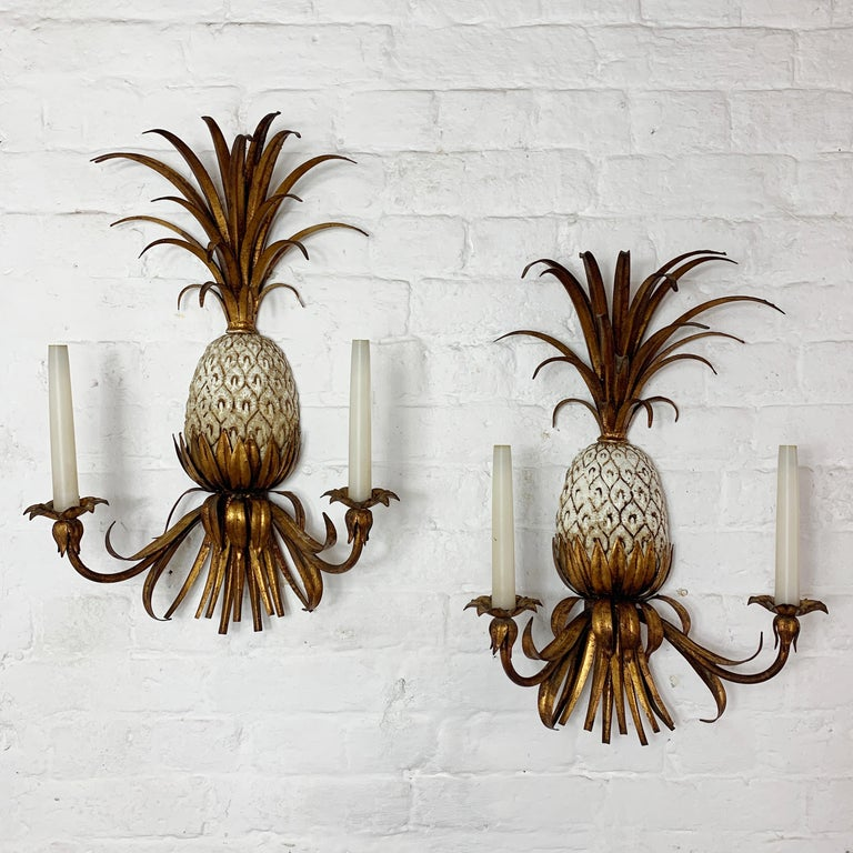 Large Italian Pineapple Wall Sconce Lights, circa 1950s For Sale 1