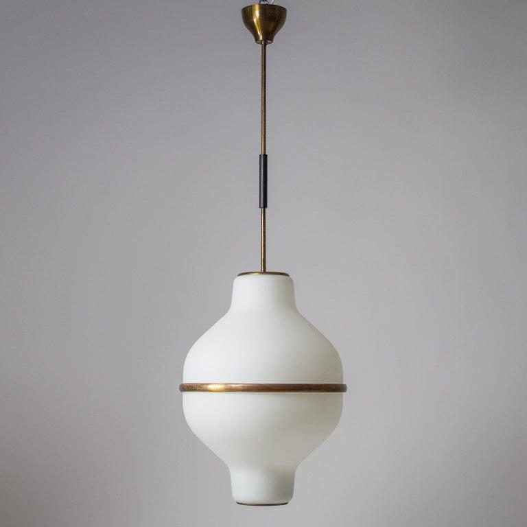 Large Italian Satin Glass Chandelier, Oscar Torlasco for Lumi Milano, 1950s For Sale 11