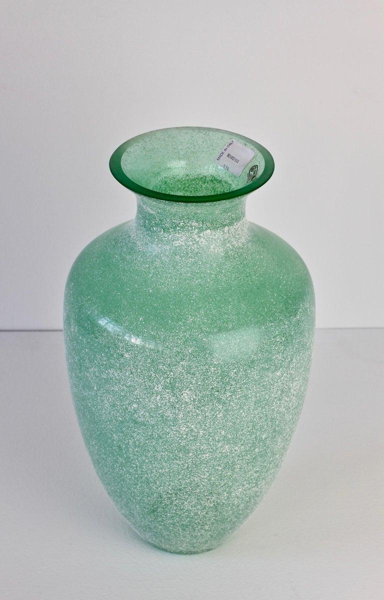 Large Italian Seguso Vetri d'Arte Green 'Scavo' Murano Glass Vintage Floor Vase For Sale 1