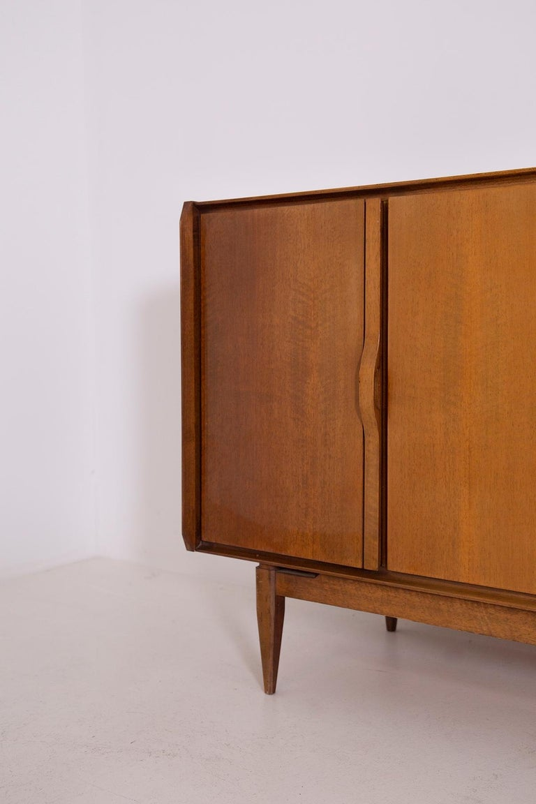 Large Italian Sideboard in Walnut from the 1950s For Sale 6