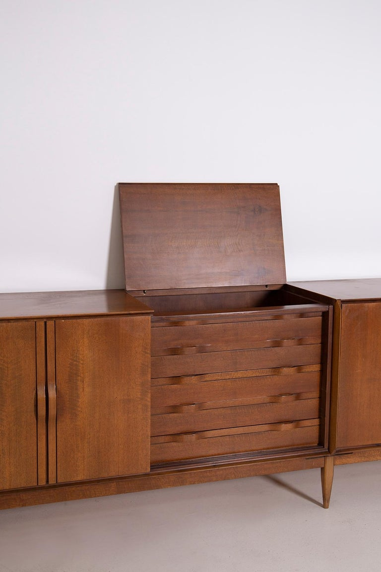 Large Italian Sideboard in Walnut from the 1950s For Sale 8