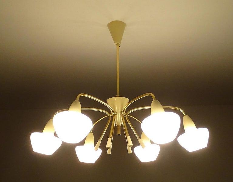Large Italian Sputnik Glass Brass Chandelier Pendant, Stilnovo Gio Ponti Era  In Good Condition For Sale In Bremen, DE