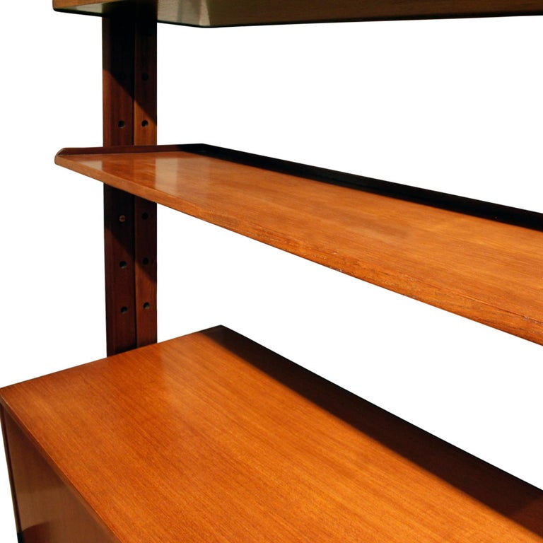 Large Italian Wall Unit in Rosewood, Teak and Mahogany, 1964 In Excellent Condition For Sale In New York, NY