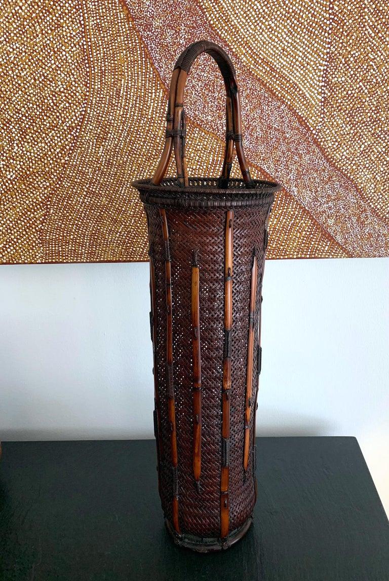 Large Japanese Bamboo Ikebana Basket Maeda Chikubosai I In Good Condition For Sale In North Miami, FL