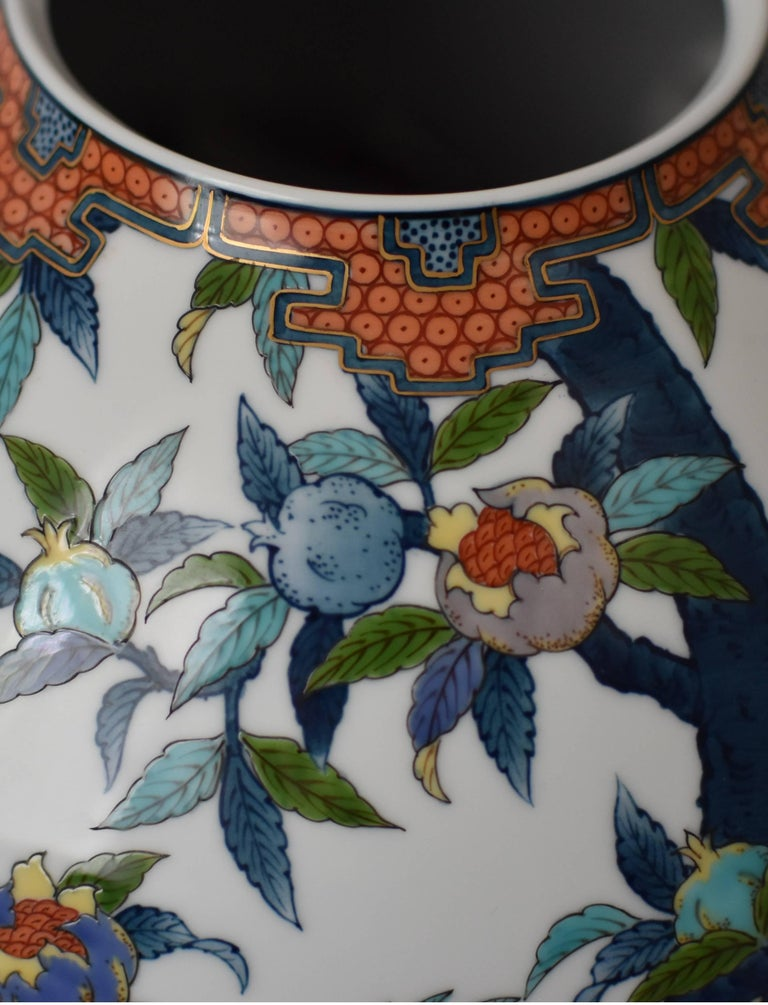 Large Japanese Blue Red Contemporary Porcelain Vase by Imari Master Artist In New Condition For Sale In Vancouver, CA