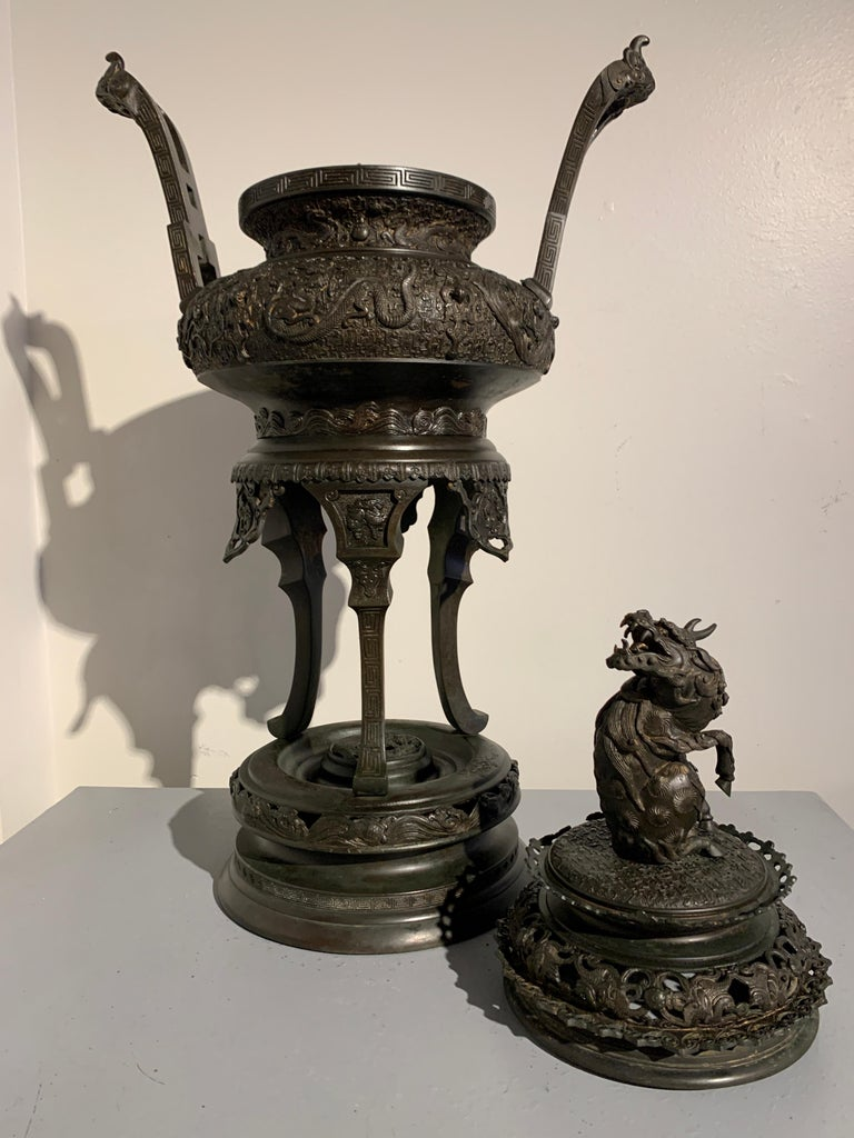 Large Japanese Cast Bronze Censer with Kirin, Edo Period, Early 19th Century For Sale 4