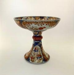 Large Japanese Imari footed bowl, c. 1890. Meiji Period.
