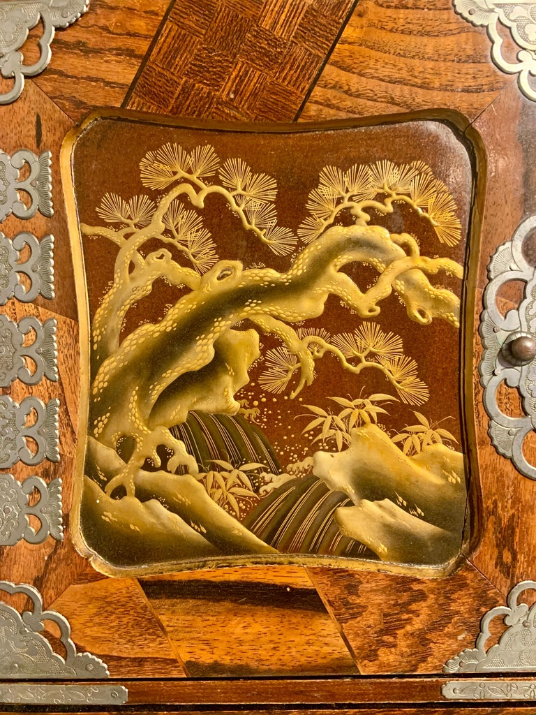 Large Japanese Marquetry Table Cabinet, Meiji Period, Late 19th Century, Japan For Sale 4