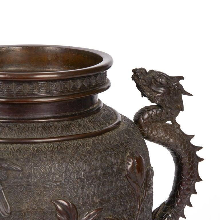 Large Japanese Meiji Bronze Lidded Urn, 19th Century For Sale 3