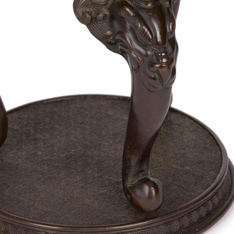 Large Japanese Meiji Bronze Lidded Urn, 19th Century For Sale 4