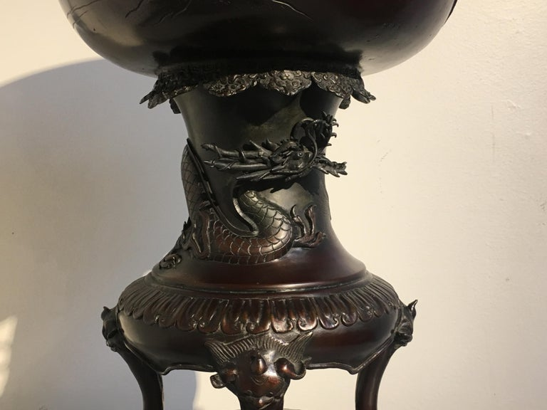 Large Japanese Meiji Period Cast Bronze Censer with Dragon and Shishi For Sale 6
