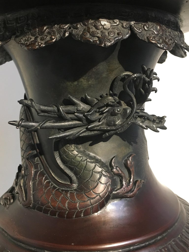 Large Japanese Meiji Period Cast Bronze Censer with Dragon and Shishi For Sale 9