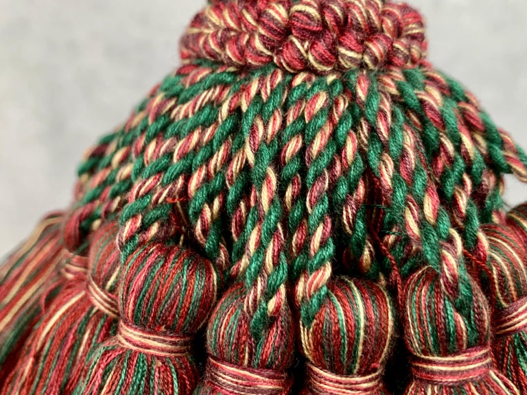 Hand-Crafted  Houlés of Paris Passementerie Large Gland Clé (Key Tassel) Red/Green  For Sale