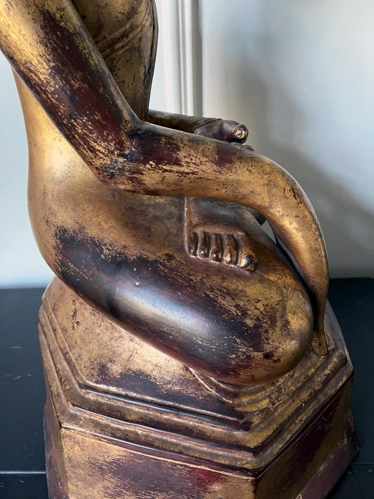 Large Lacquered Wood Antique Burmese Buddha Statue For Sale 10