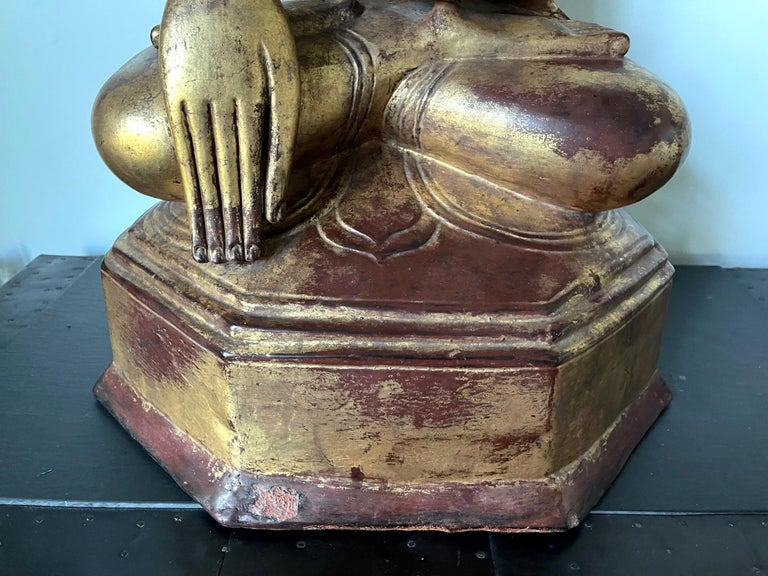 Large Lacquered Wood Antique Burmese Buddha Statue For Sale 11