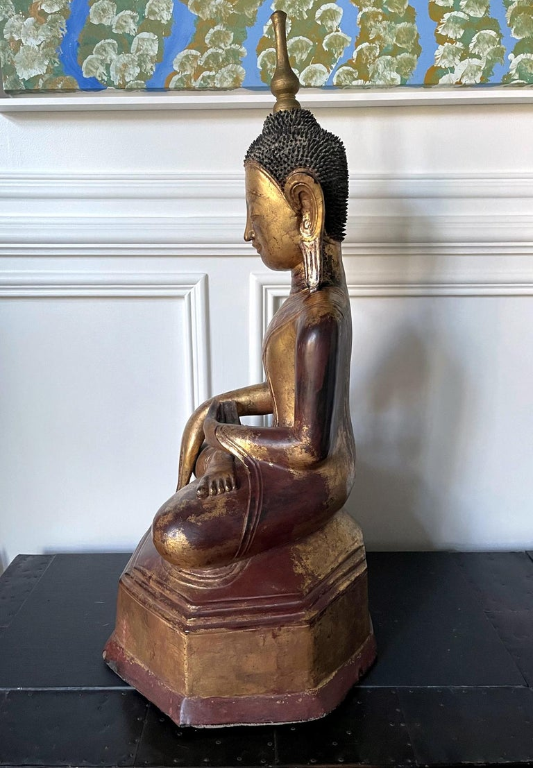 Large Lacquered Wood Antique Burmese Buddha Statue In Good Condition For Sale In Atlanta, GA