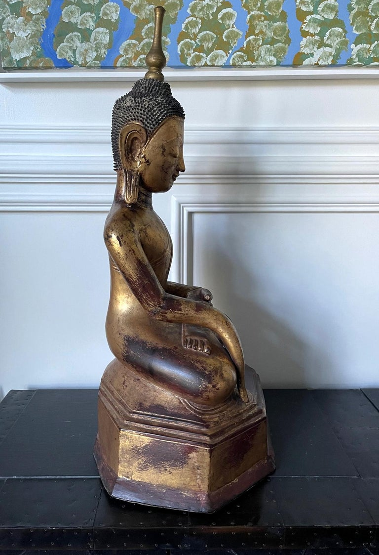 Large Lacquered Wood Antique Burmese Buddha Statue For Sale 1