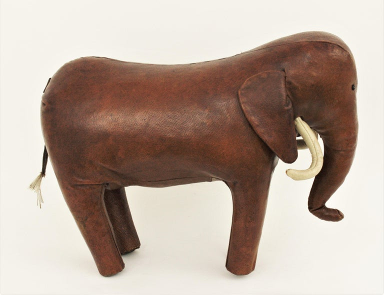 Large Leather Elephant Stool by Dimitri Omersa for Abercrombie, 1960s In Good Condition For Sale In Barcelona, ES