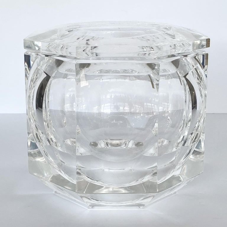 Hollywood Regency Large Lucite Ice Bucket by Alessando Albrizzi For Sale