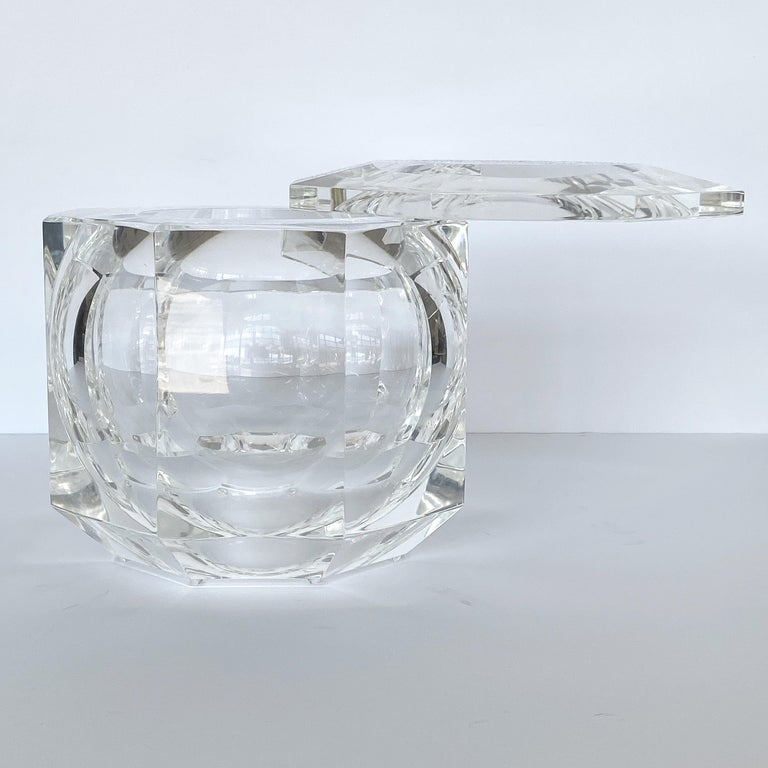 Late 20th Century Large Lucite Ice Bucket by Alessando Albrizzi For Sale