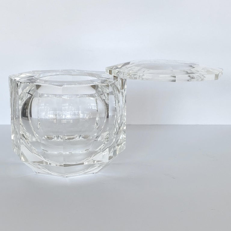 Large Lucite Ice Bucket by Alessando Albrizzi For Sale 1
