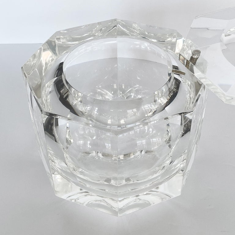 Large Lucite Ice Bucket by Alessando Albrizzi For Sale 2