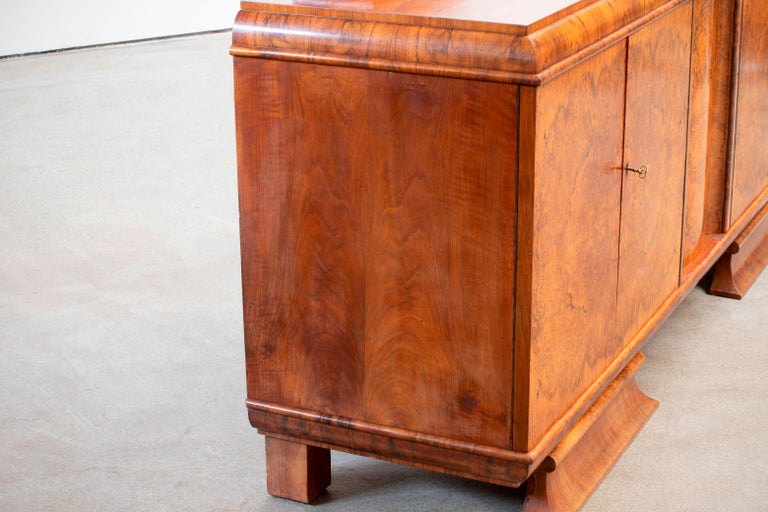 Large & Luxurious French Art Deco Buffet, 1930s In Good Condition For Sale In Wiesbaden, DE
