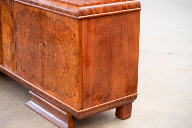 Burl Large & Luxurious French Art Deco Buffet, 1930s For Sale