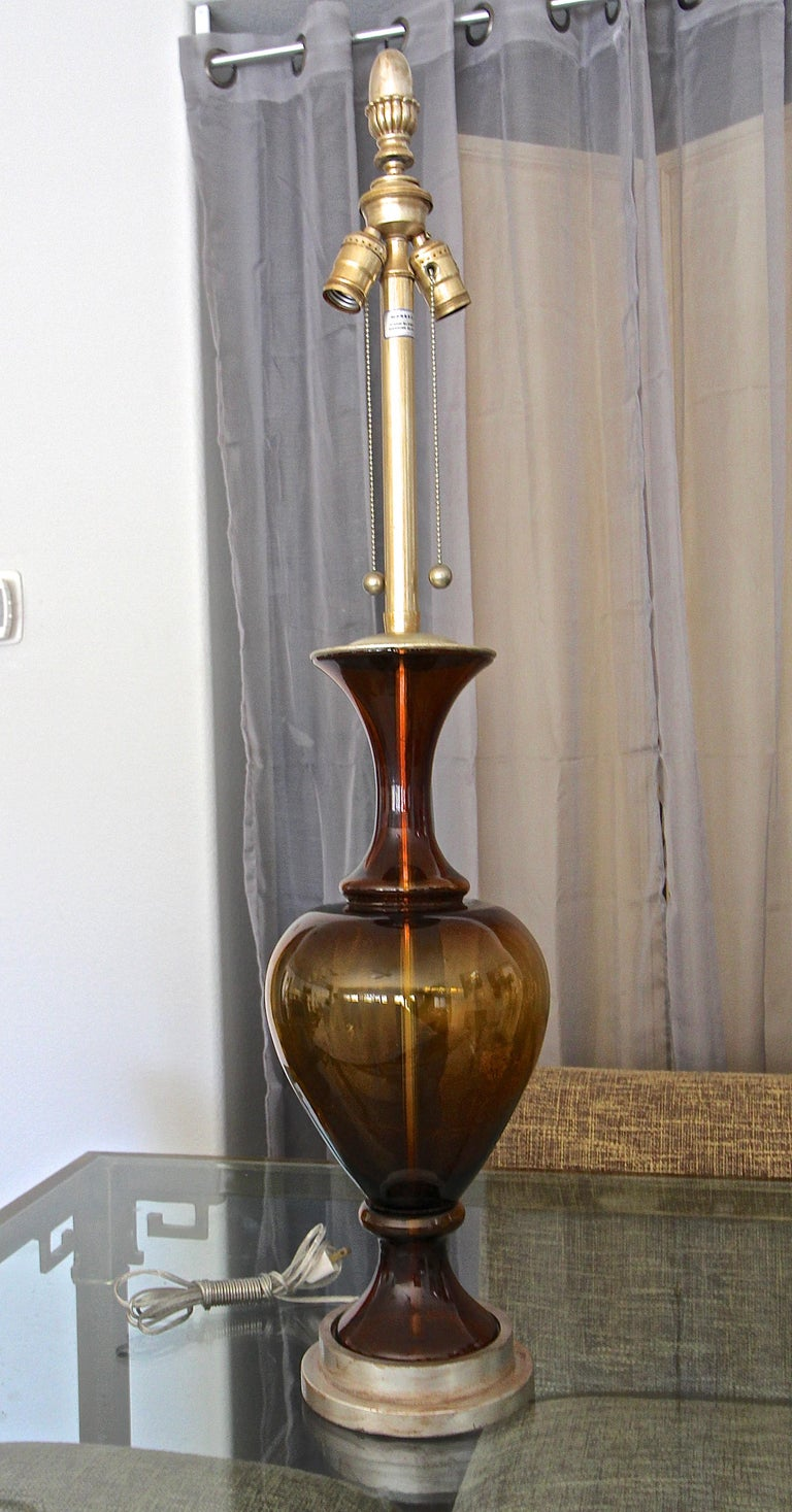 Large Marbro Swedish Root Beer Brown Glass Table Lamp In Good Condition For Sale In Palm Springs, CA