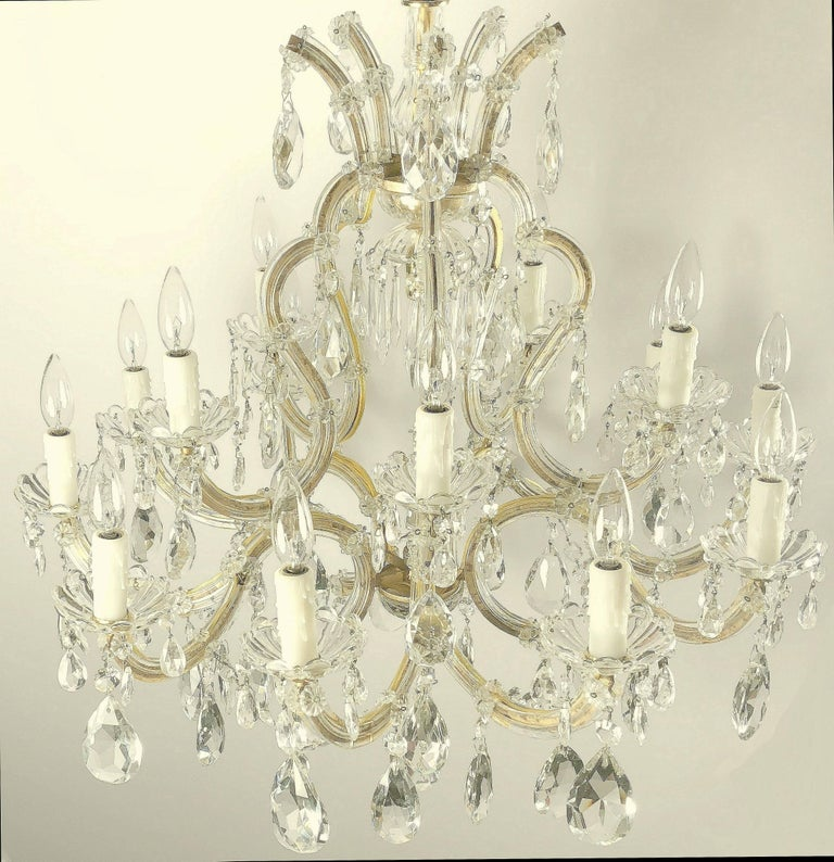 Gilt Large Maria Theresa Sixteen-Light Chandelier (35