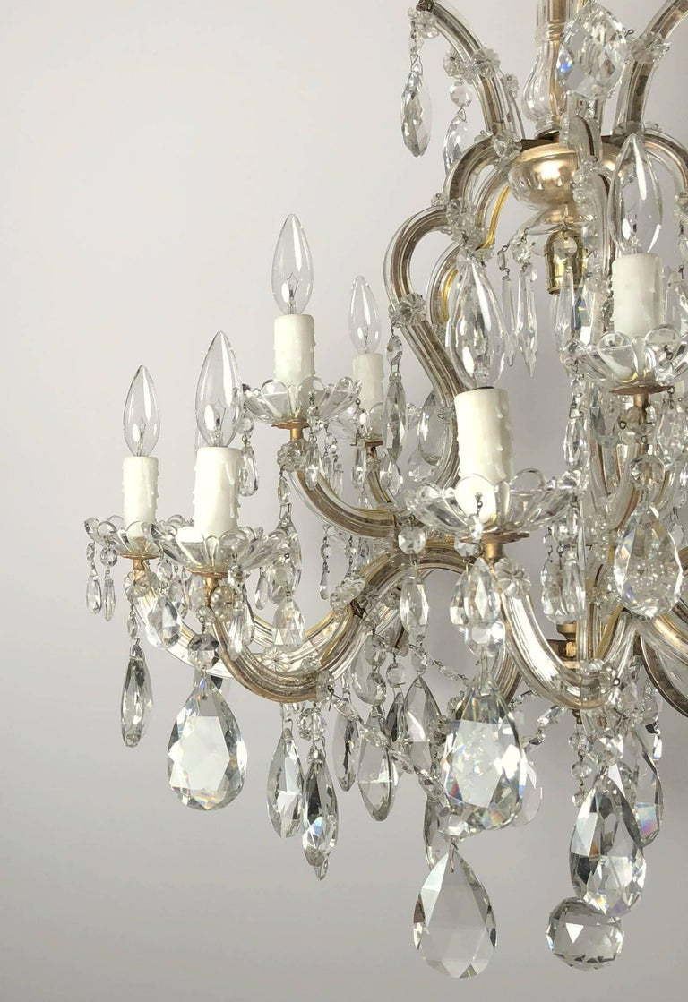 20th Century Large Maria Theresa Sixteen-Light Chandelier (35