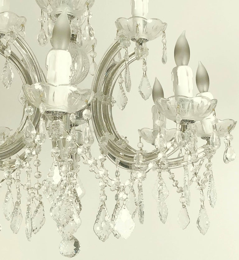 "20th Century Large Maria Theresa Twelve-Light Chandelier (24"" Diameter) For Sale"
