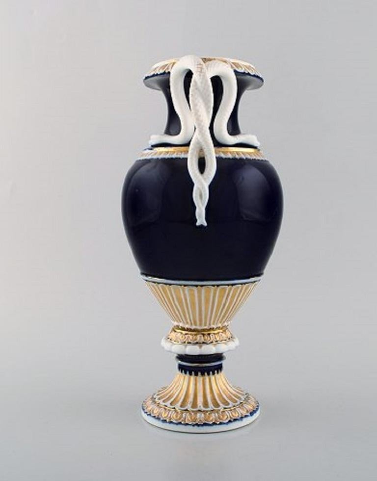 German Large Meissen Porcelain Vase with Handles Shaped as Snakes, 1870s-1880s For Sale