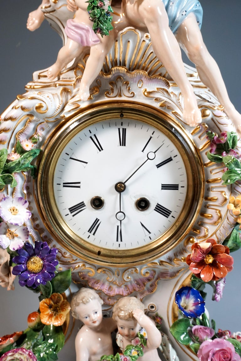 Hand-Crafted Large Meissen Splendour Clock with Jupiter Group by E.A. Leuteritz, circa 1860 For Sale