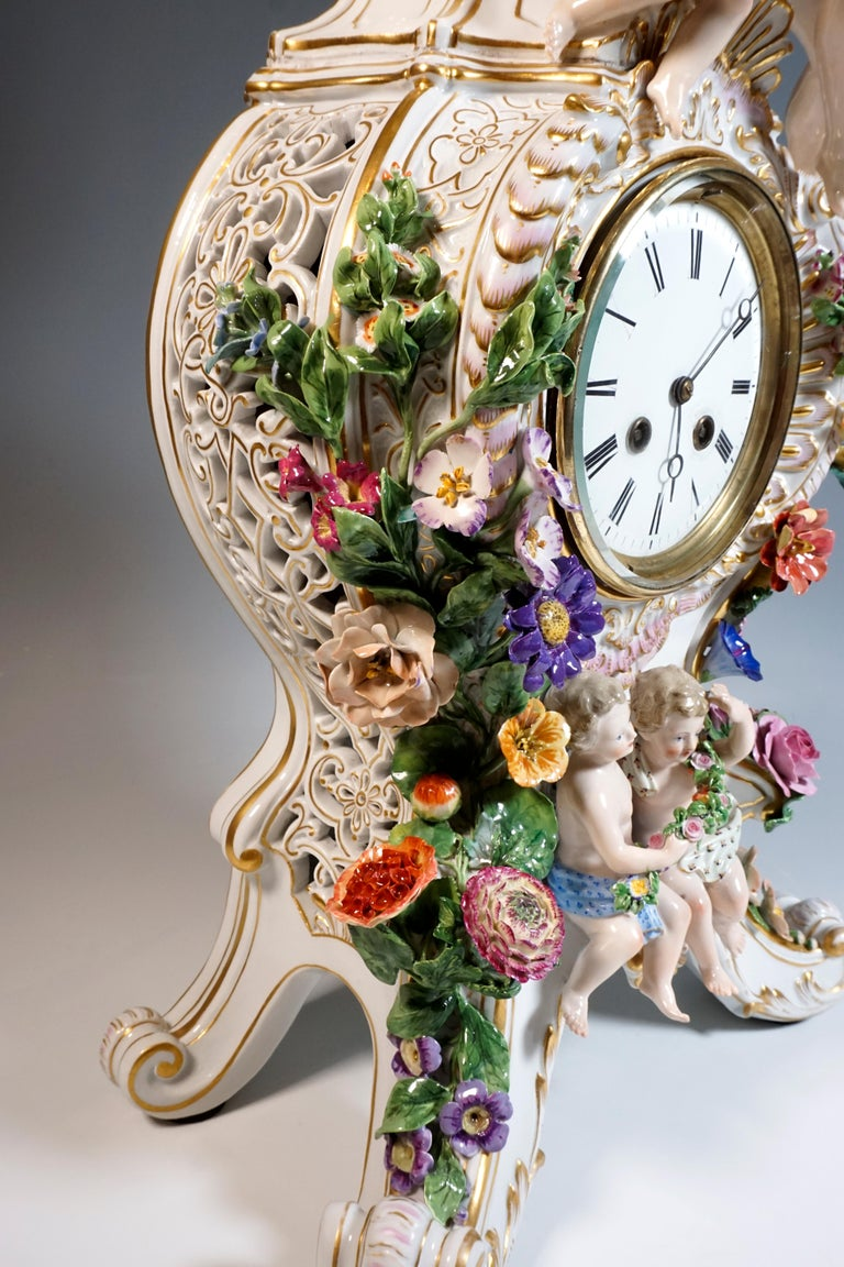 Porcelain Large Meissen Splendour Clock with Jupiter Group by E.A. Leuteritz, circa 1860 For Sale