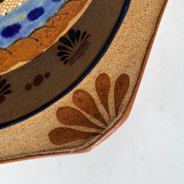 Ceramic Large Mexican Round Folk Pottery Platter with Heron Bird Design Tonalá Mestizo For Sale