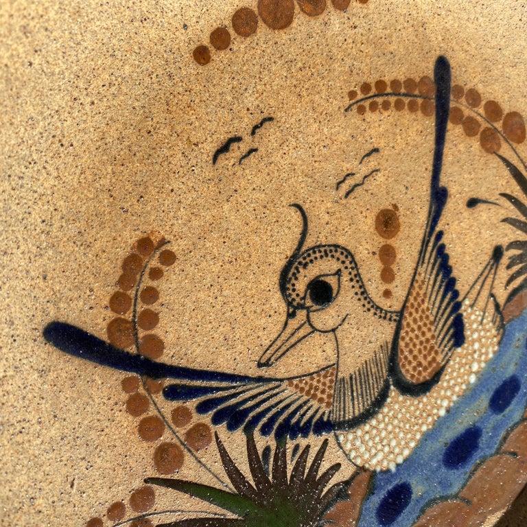 Large Mexican Round Folk Pottery Platter with Heron Bird Design Tonalá Mestizo For Sale 1