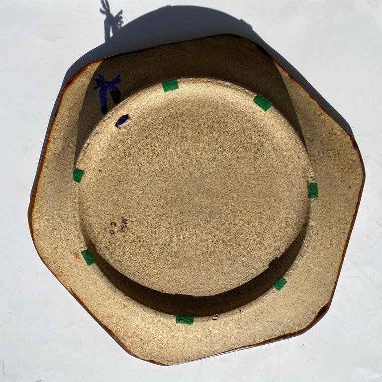 Large Mexican Round Folk Pottery Platter with Heron Bird Design Tonalá Mestizo For Sale 2