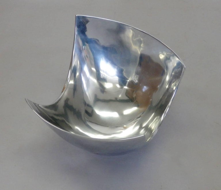 Large Michael Lax Polished Aluminum Bowl In Excellent Condition For Sale In Ferndale, MI