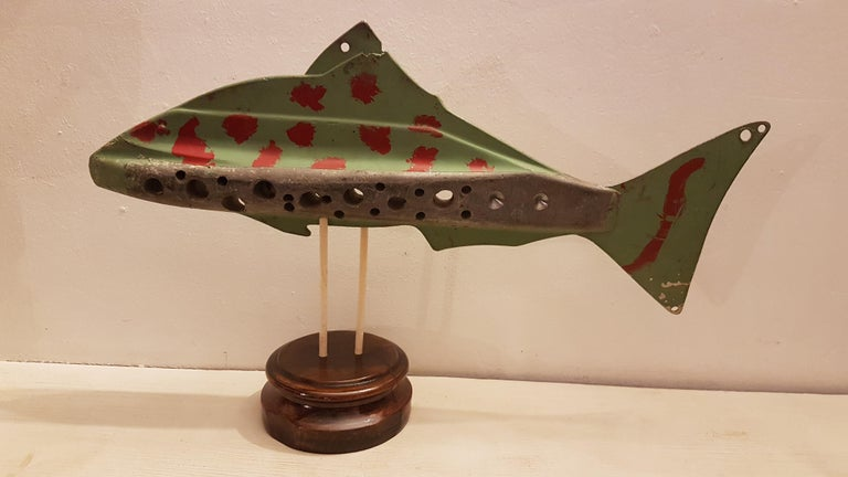 Large Mid-20th Century American Ice Fishing Decoy For Sale 1