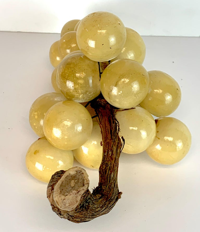 Large Midcentury Italian Marble Bunch of Grapes Sculpture In Good Condition For Sale In West Palm Beach, FL