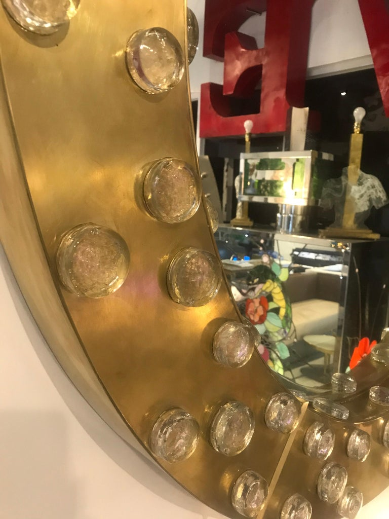 Large Mid-Century Modern Italian Brass and Blown Murano Glass Circular Mirror In Good Condition For Sale In Miami, FL