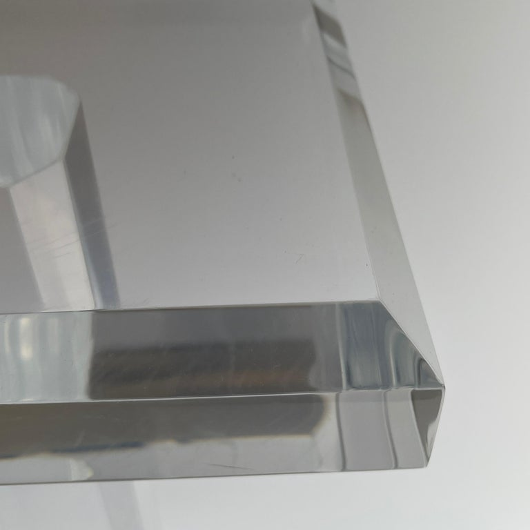 Large Mid-Century Modern Pedestal Table in Thick Lucite For Sale 7