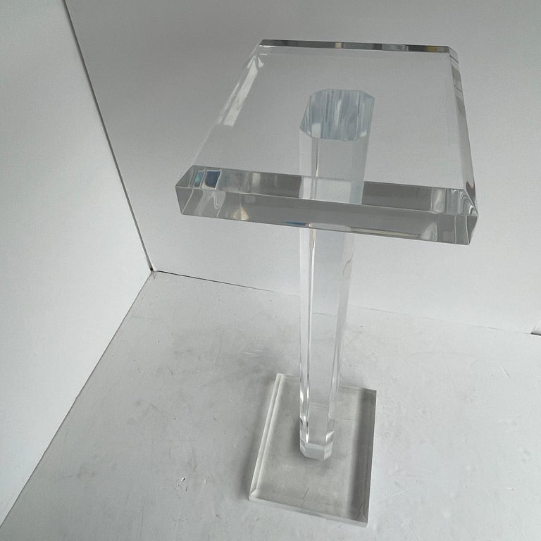Large Mid-Century Modern Pedestal Table in Thick Lucite For Sale 8