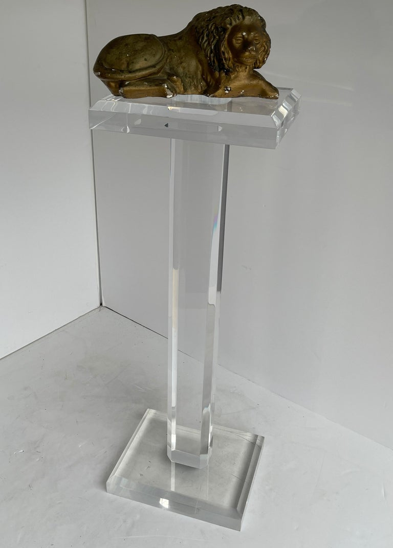 Large Mid-Century Modern Pedestal Table in Thick Lucite For Sale 11