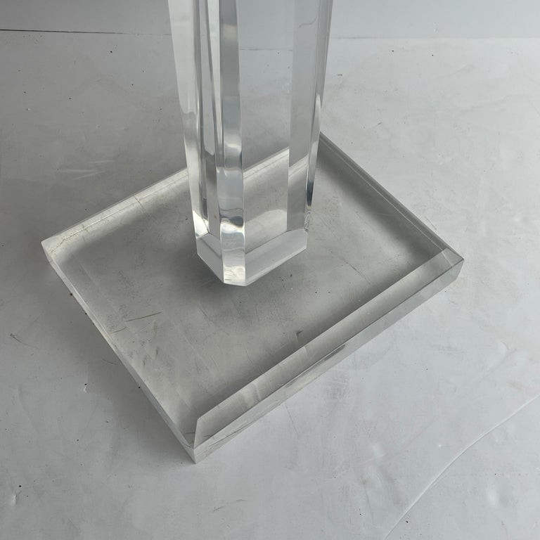 Large Mid-Century Modern Pedestal Table in Thick Lucite For Sale 4
